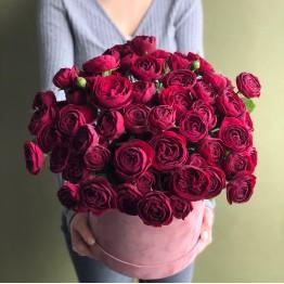 Шляпная коробка с розами Руби Джем