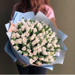 Тюльпаны резные  белые