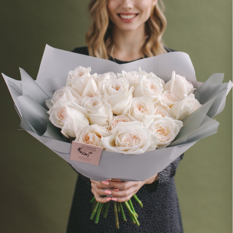 пионовидная роза Охара (белая)