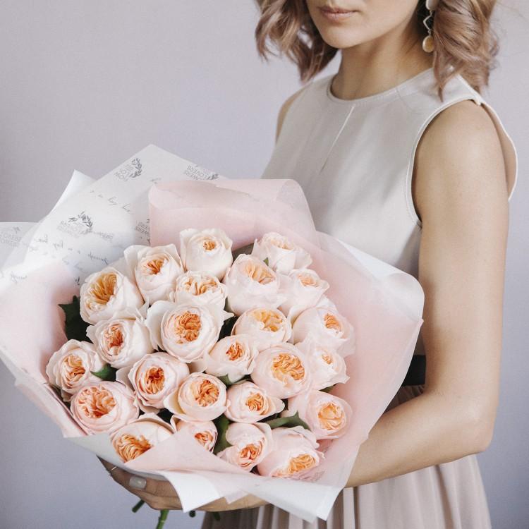 Розы пионовидные Дэвид Остин Джульет