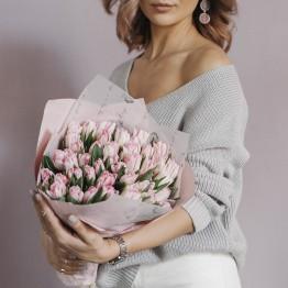 Тюльпаны пионовидные нежно-розовые