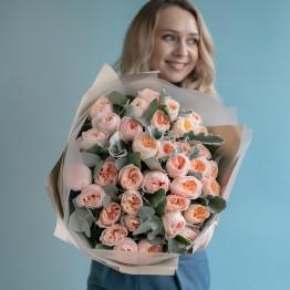 пионовидная роза Джульетта (одноголовая) с зеленью