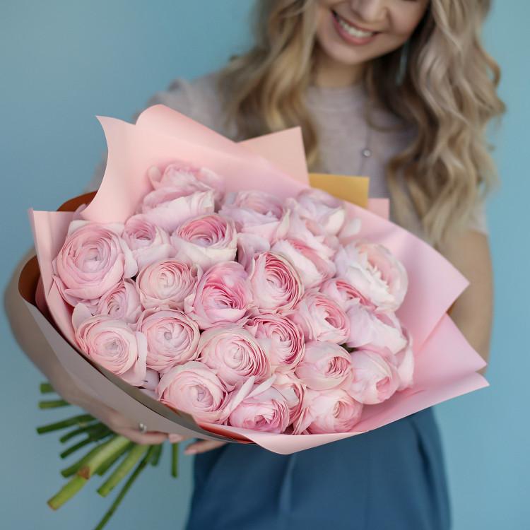 Ранункулюсы розовые
