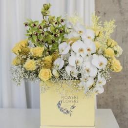 Шляпная коробка Желтая с орхидеей